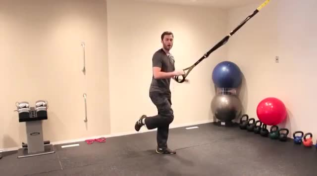 Suspension Single Leg Split Squat (self-assisted) demonstration