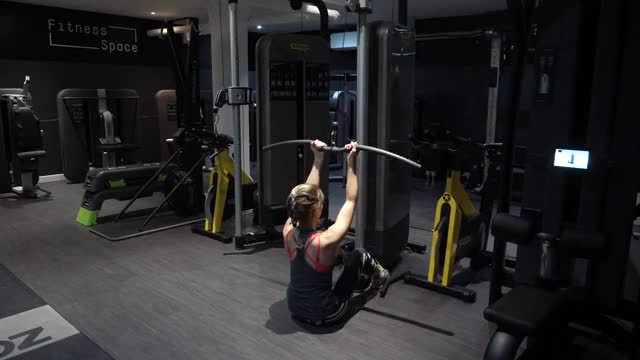 Female Cable Chin-up demonstration