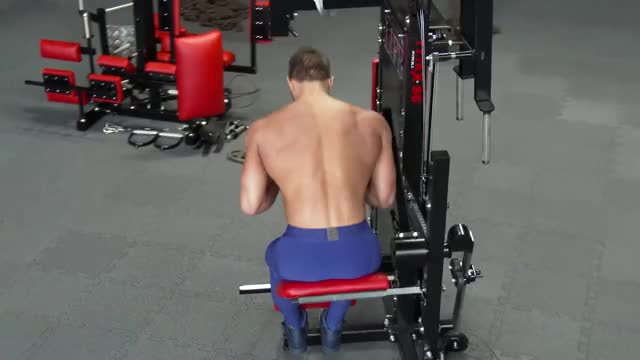 Lever Seated Crunch demonstration