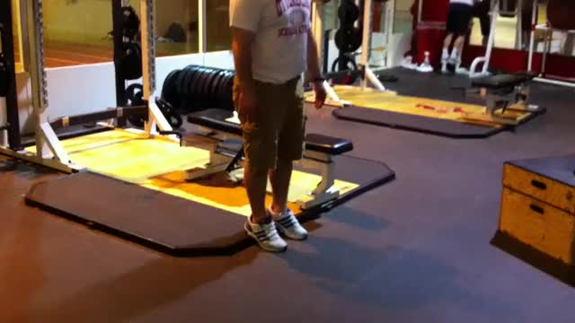Male Reverse Calf Raise demonstration