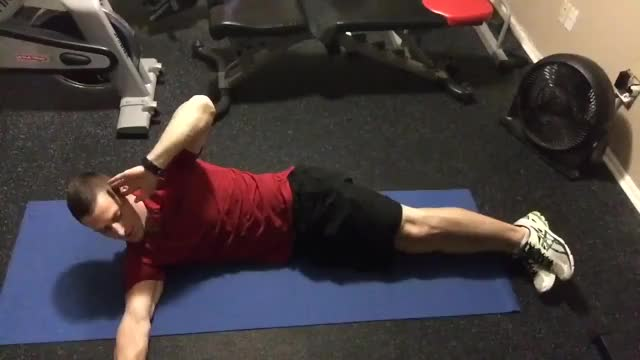 Side Crunch With Leg Lift demonstration