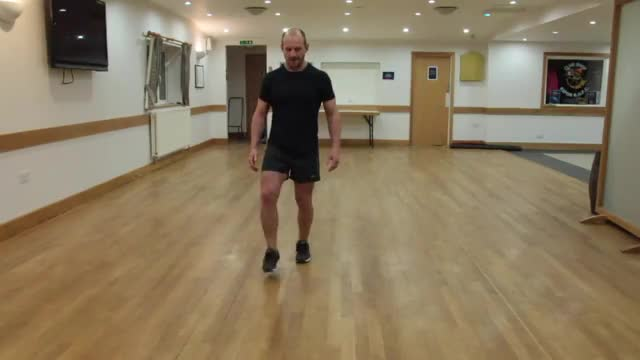 Seesaw Lunge demonstration
