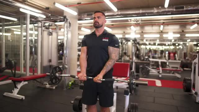 Close-Grip EZ-Bar Biceps Curl demonstration