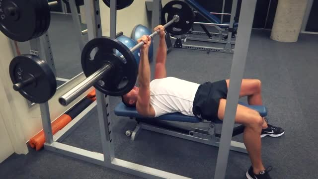 Male Decline Close Grip Bench Press demonstration
