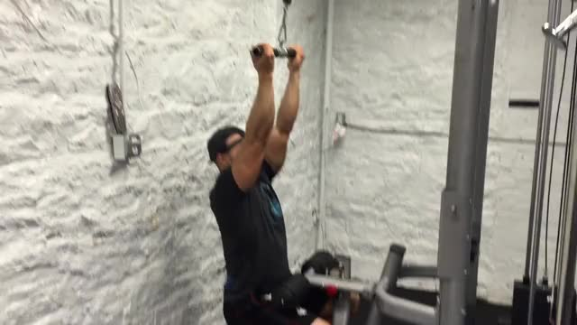 Pulldown Bicep Curl demonstration