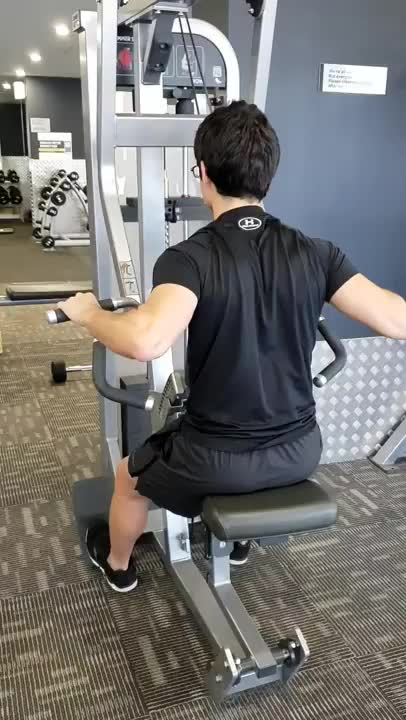 Lever Alternating Wide Grip Seated Row (plate loaded) demonstration