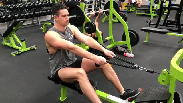 Cable Row to Neck demonstration