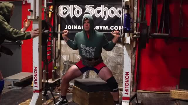 Speed Box Squat demonstration