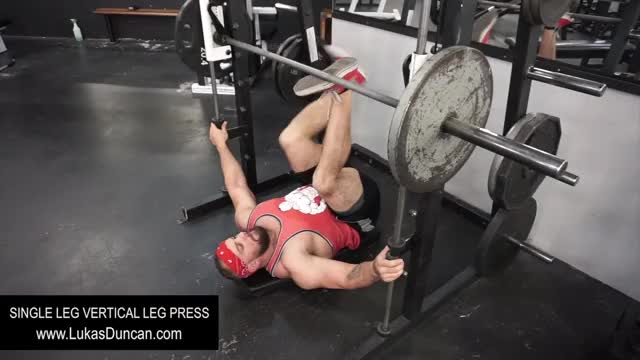 Sled Single Leg Vertical Leg Press demonstration