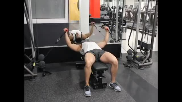 Flat Bench Cable Flyes demonstration