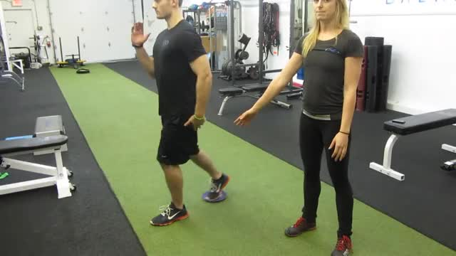 Reverse Sliding Lunge demonstration