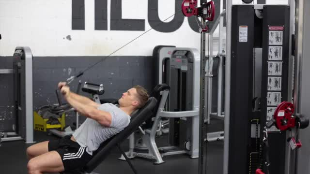 Male Cable Incline Pushdown demonstration