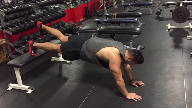 Single-Leg Elevated-Feet Plank demonstration