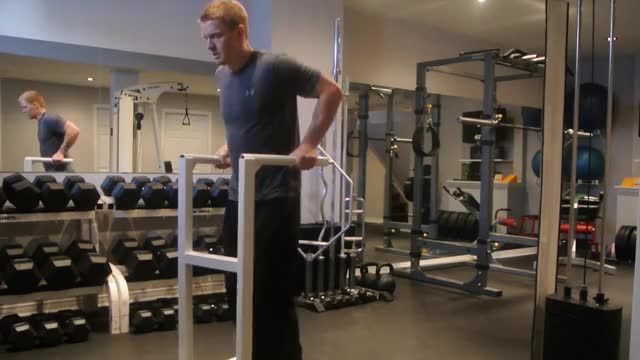Male Eccentric Only Dip demonstration