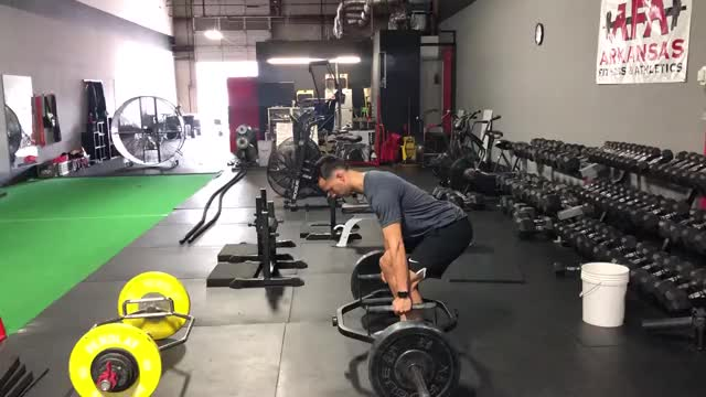 Trap-Bar Deadlift demonstration