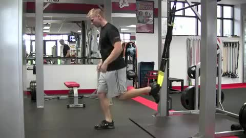 Suspension Single Leg Jump demonstration