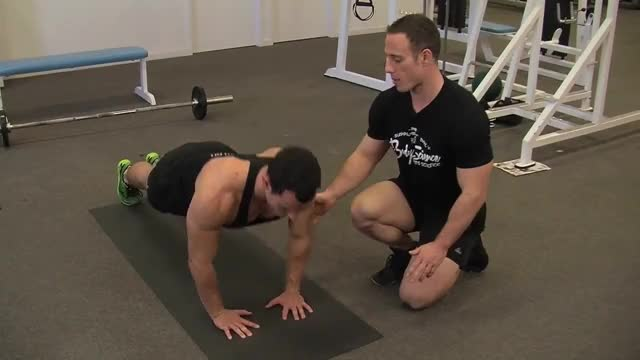 Close Grip Push Up demonstration