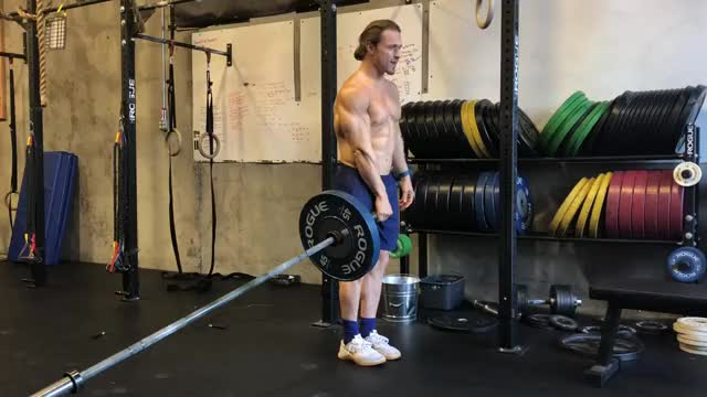 Single Leg Landmine Romanian Deadlift demonstration