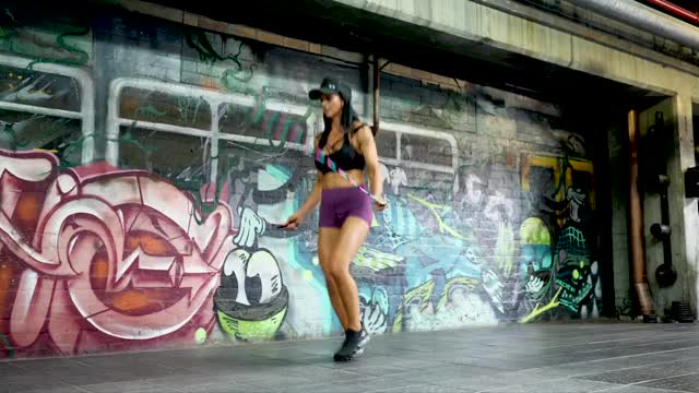 Female Jump Rope: Boxer Step demonstration
