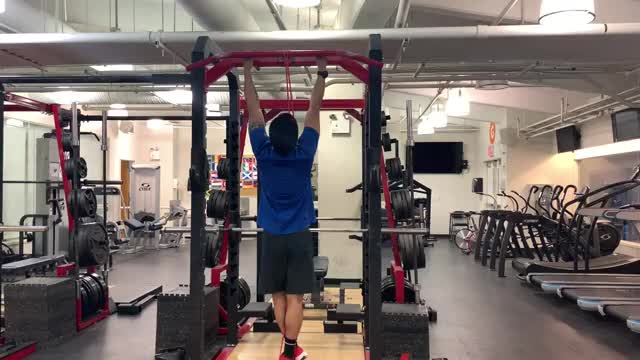 Band-assisted Neutral Grip Pull-up demonstration