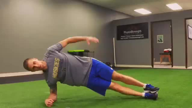 Male Star Plank demonstration