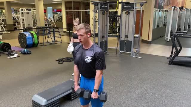 Male Dumbbell Straight-back Straight-leg Deadlift demonstration