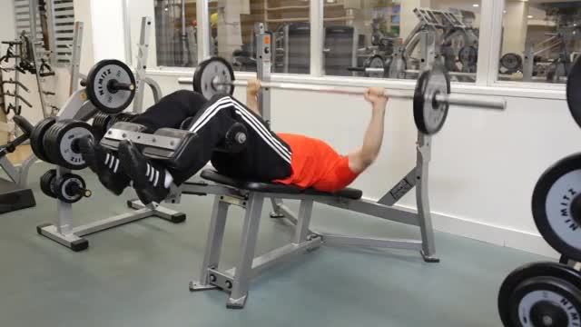 Decline Barbell Bench Press demonstration