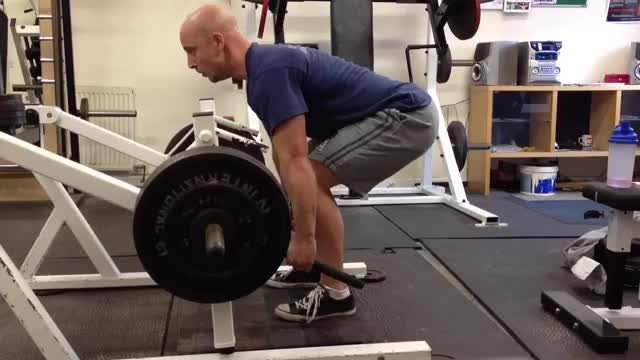 Lever Deadlift (plate loaded) demonstration