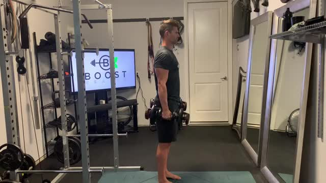 Hammer Curls demonstration