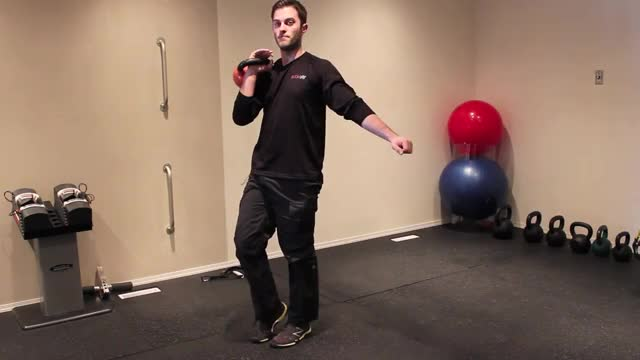 Offset Dumbbell Reverse Lunge demonstration