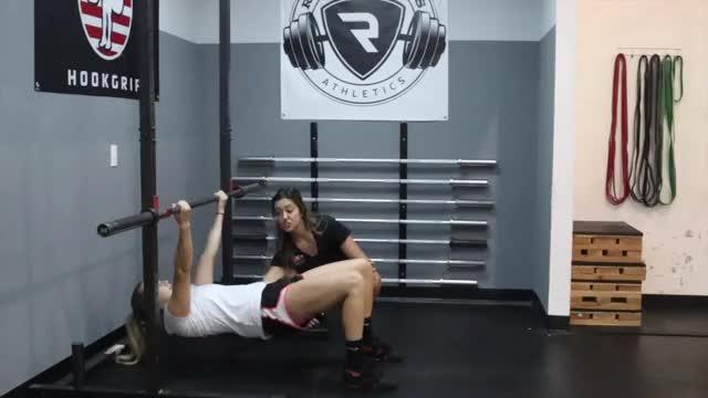 Female Underhand Inverted Row demonstration