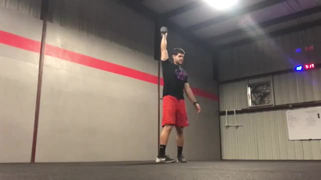 Overhead Lunge demonstration
