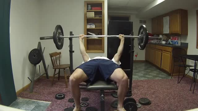 Paused Barbell Bench Press demonstration