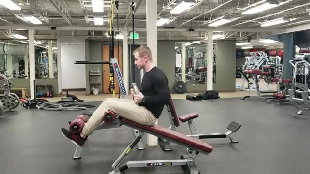 Weighted Roman Chair Sit-up demonstration