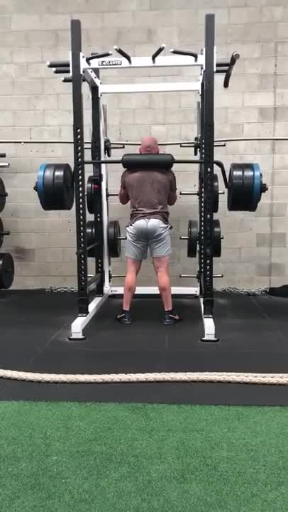 Male Safety Barbell Squat (long handles) demonstration