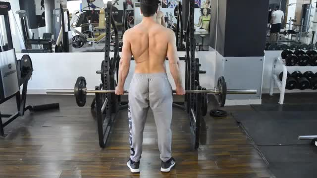 Reverse Grip Bent-Over Rows demonstration
