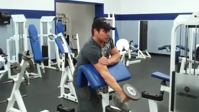 One Arm Dumbbell Hammer Preacher Curl demonstration