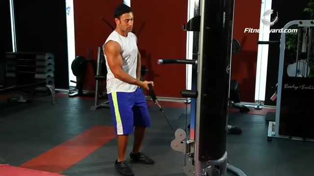 Cable One Arm Curl demonstration