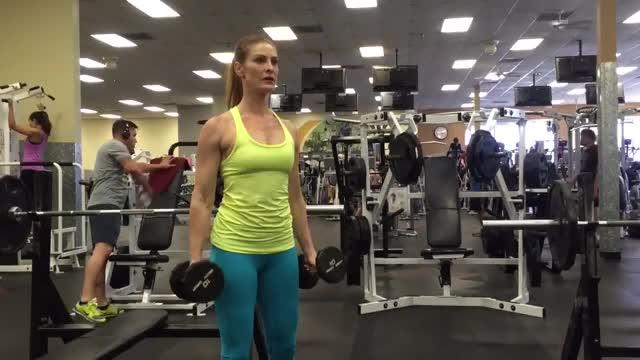 Female Standing Hammer Curl demonstration