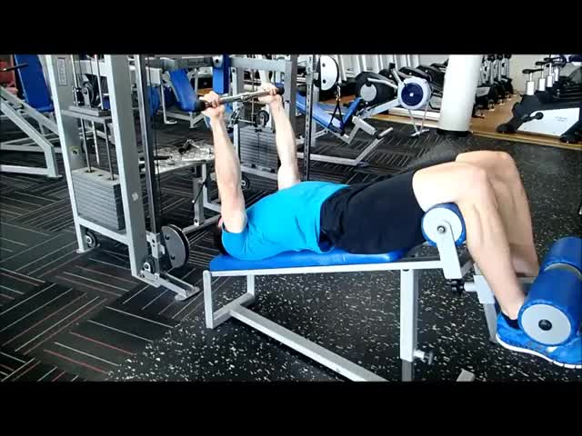 Male Cable Decline Triceps Extension demonstration