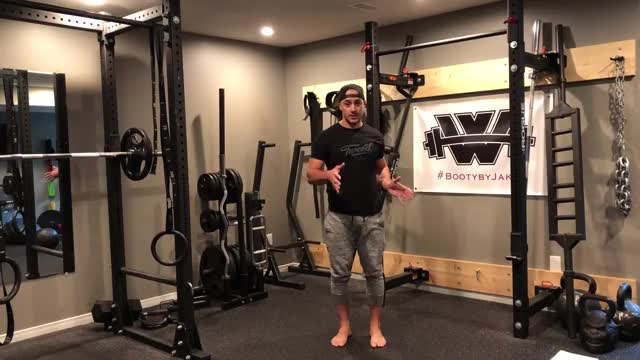 Twisted Drop Squat demonstration
