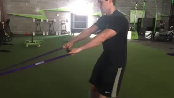 Reverse Lunge to Row demonstration
