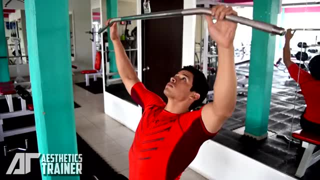 Wide-Grip Lat Pulldown demonstration