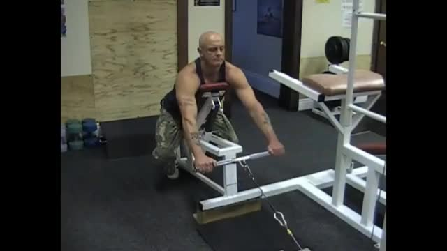 Male Incline Bench Cable Row demonstration