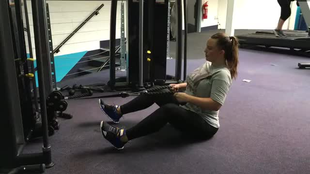 Female Seated Row Using Rope demonstration