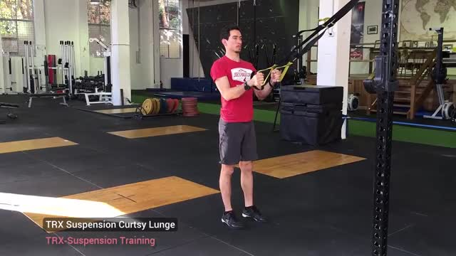 Suspension Curtsy Lunge demonstration