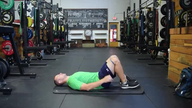 Male Hip Lift with Band demonstration
