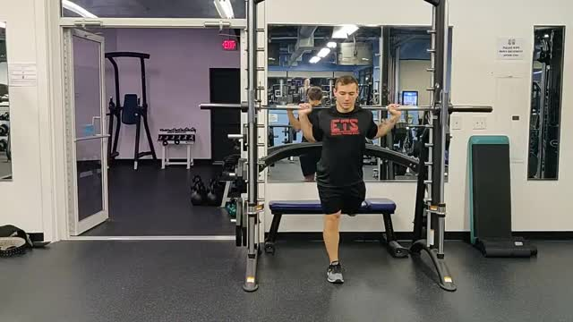 Bulgarian Split Squat On Smith Machine demonstration