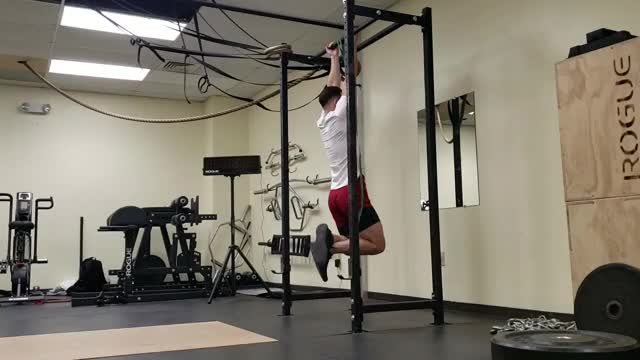 Band Assisted Chin Up (From Knee) demonstration