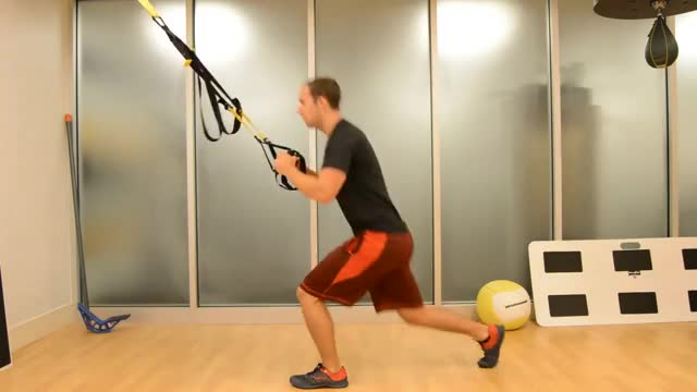 Suspension Jump Lunges demonstration